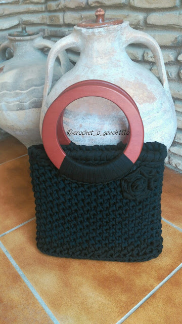 bolso de trapillo tejido  a crochet