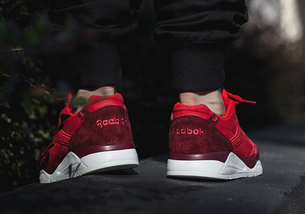 fa320491001 Following established Runner of the sneaker brand Reebok impressed with the  beautiful creation