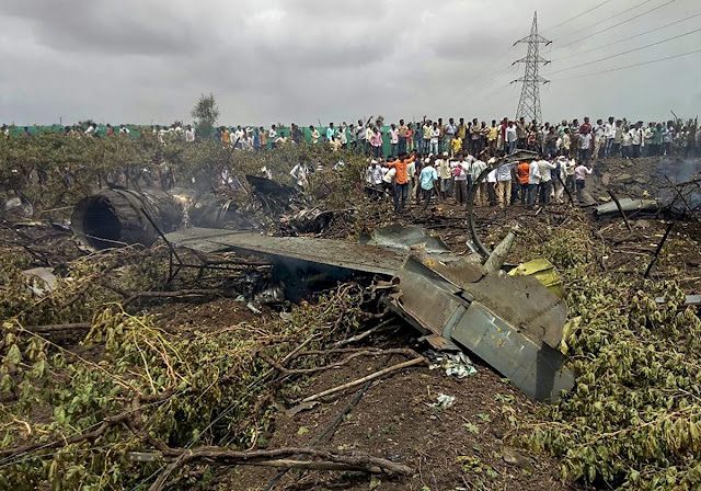India: Su-30 MKI Cai em Nashik
