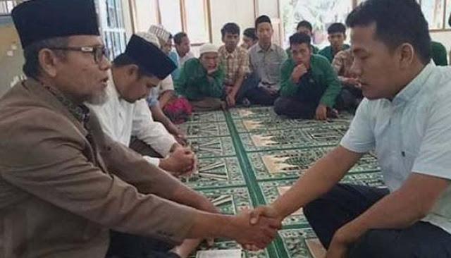 Sering Dengarkan Ceramah Aa Gym, Pemuda Batak Ini Putuskan Masuk Islam