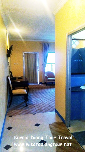 gambar kamar VIP room di hotel dqiano dieng