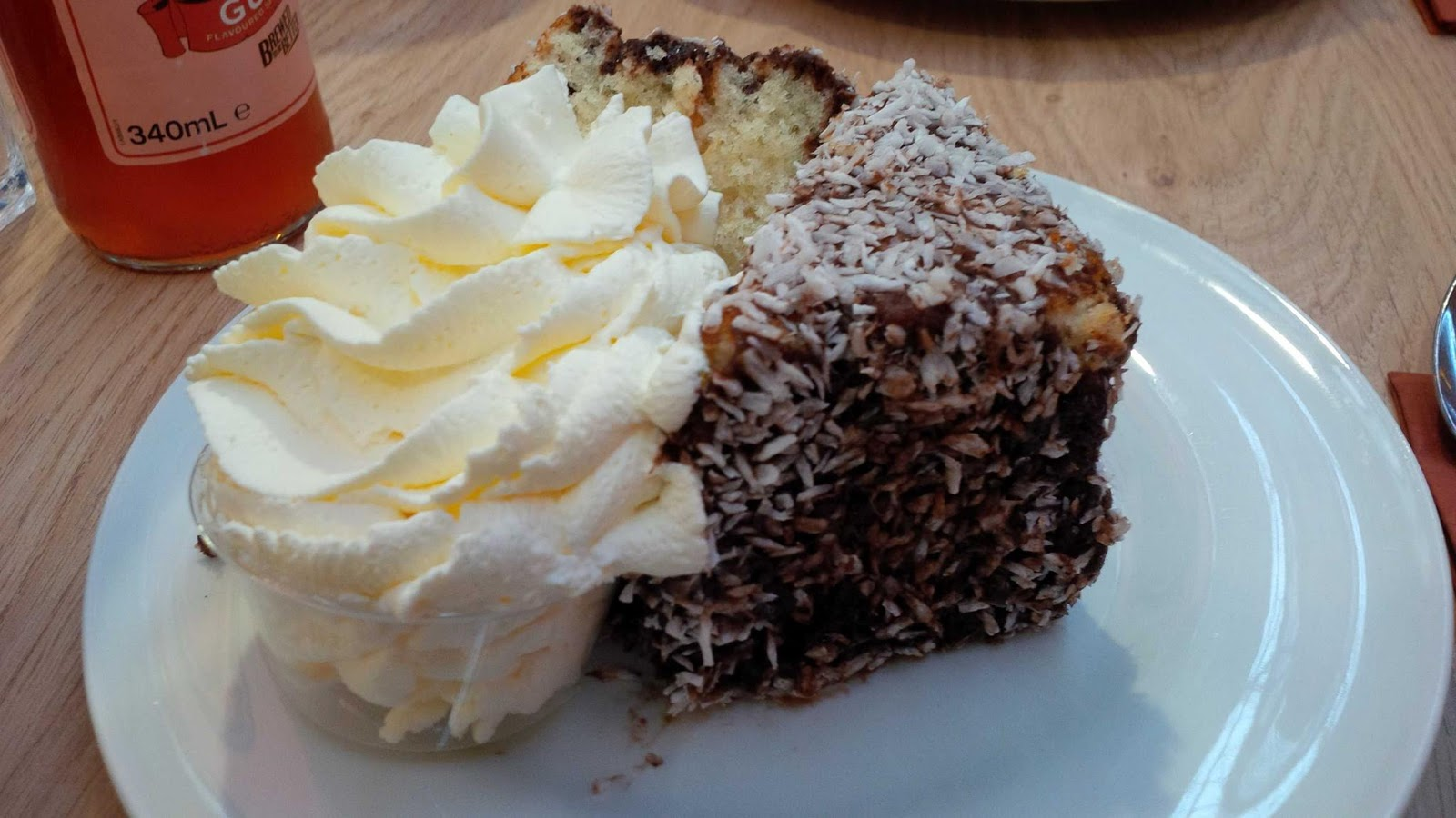 Lamington at Boomers, Chatham Maritime