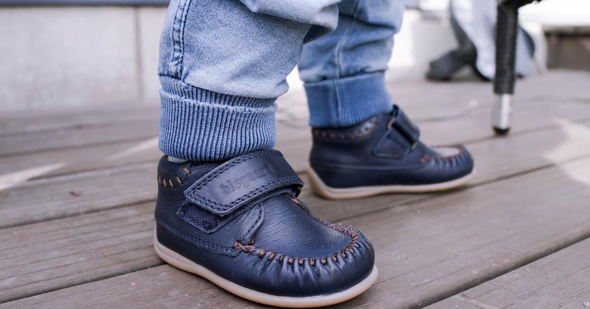 Te, jotka ostatte käytettyjä kenkiä lapsillenne, niin..