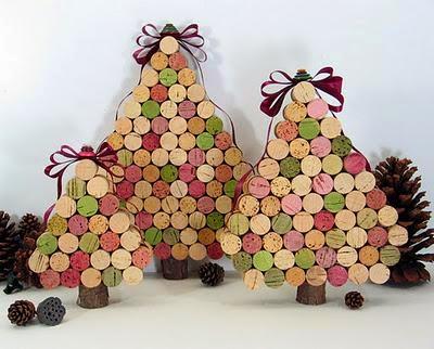 Blog Decoramas 10 Ideas Para Decorar Tu Hogar Esta Navidad Reciclando - Arbol-de-navidad-con-vasos-de-plastico