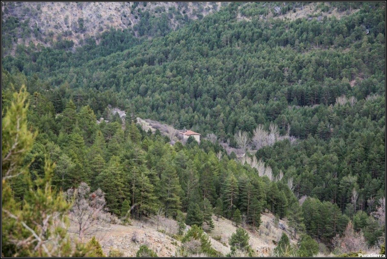 La Herrería vista desde el camino a Peralejos De Las Truchas