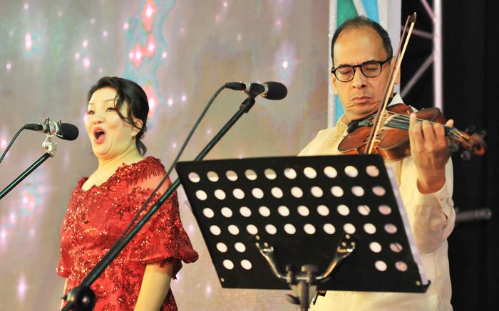 Opera Singer Mee Hai Cho and Maestro Coke Bolipata