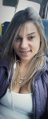 A Jovem Mayra Barbosa chama atenção em redes sociais por sua beleza e seu trabalho um pouco diferente