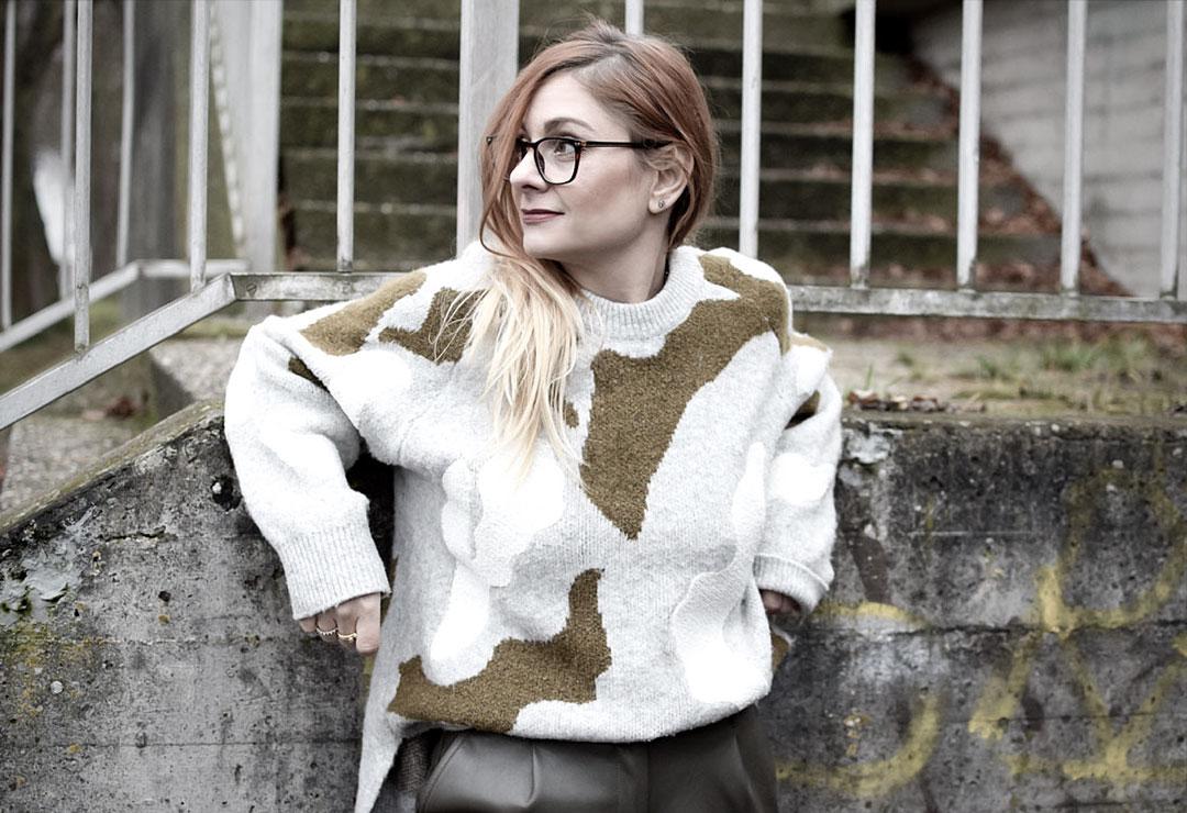 Olivgrün und Grau kombinieren, Dicker Pullover von H&M
