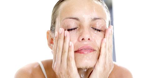 Rutina de limpieza facial para pieles grasas y seborreicas