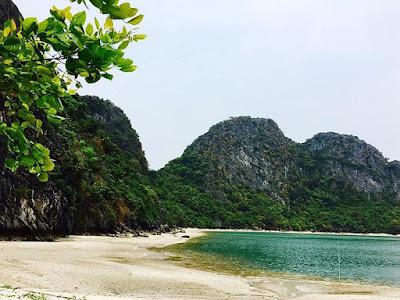 Khám phá chuyến phiêu lưu trên hoang đảo đẹp nhất vịnh Bắc Bộ