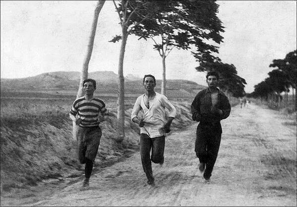 64 Historical Pictures you most likely haven't seen before. # 8 is a bit disturbing! - Marathon on the first summer Olympic, Athens,Greece. 1896