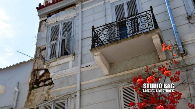 Απάντηση Κονιόρδου στον Μανιάτη για την προστασία και αναβάθμιση των εγκαταλελειμμένων κτιρίων στο Ναύπλιο