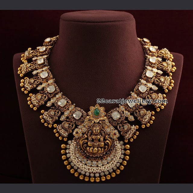 Flat diamond Grand Necklace with Lakshmi