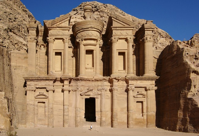 #Blogtober16-Day-27-Place-I-Would-Most-Like-To-Visit-petra-jordan