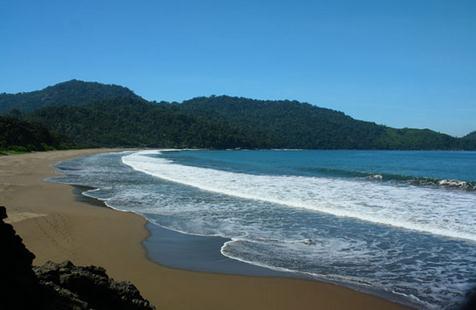 Tempat wisata pantai plengkung/G-land banyuwangi