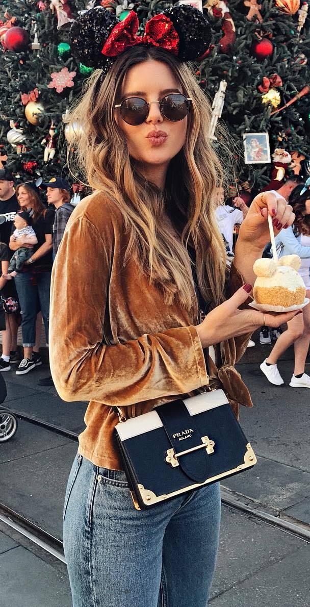 fashionable outfit idea / golden velvet top + bag + jeans