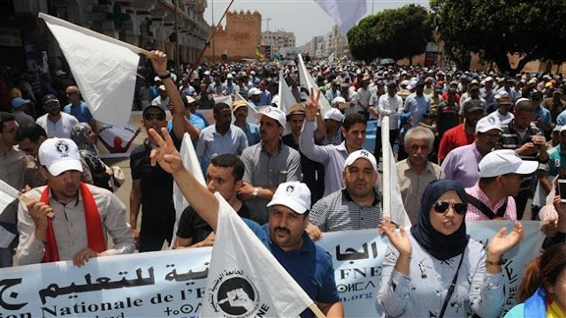 Thousands of Moroccans flood streets of Rabat in solidarity with Rif