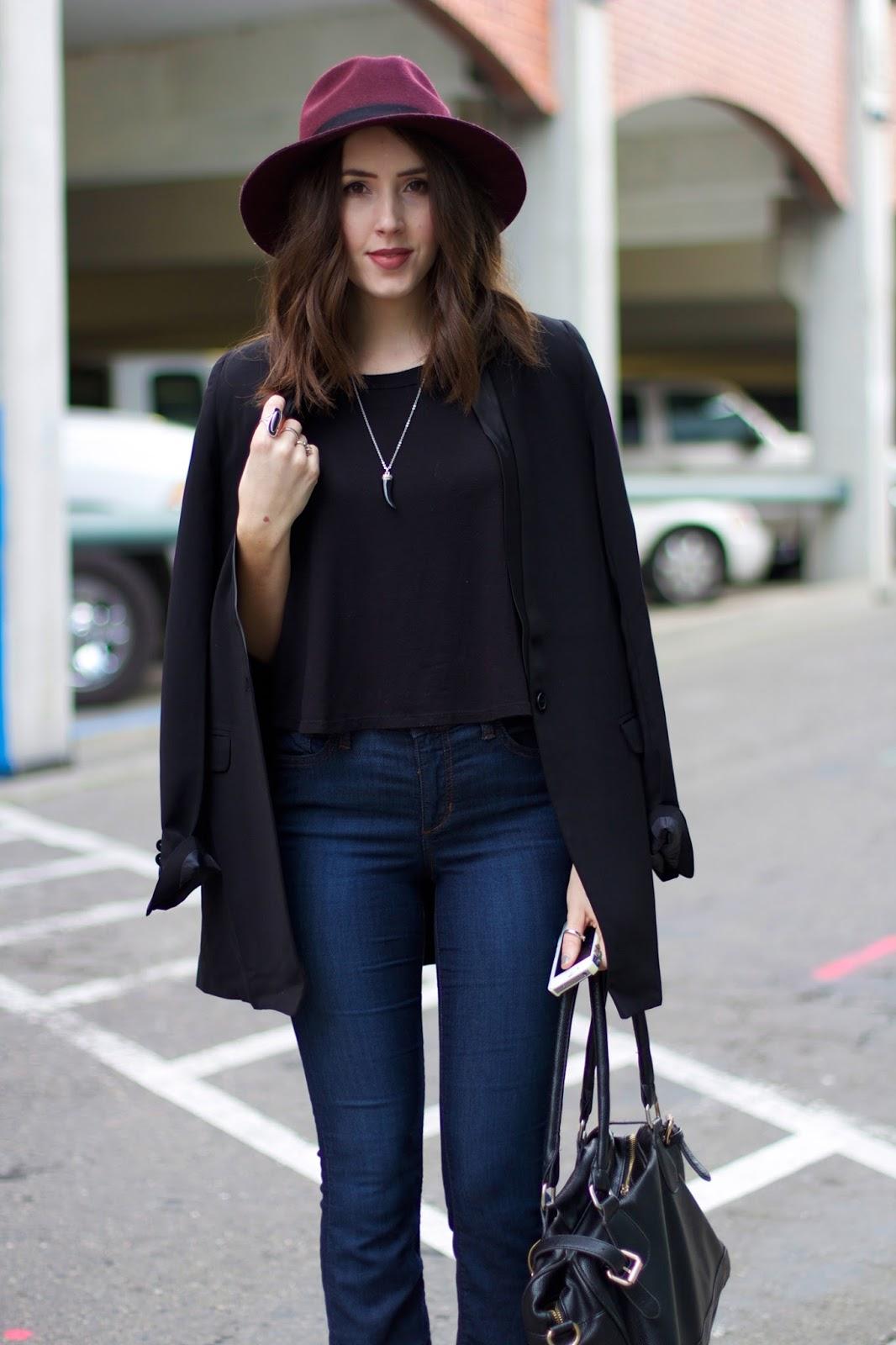 black-blazer-outfit