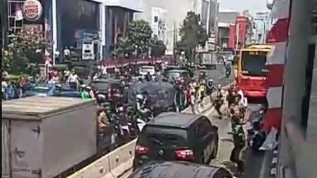 Rusak Mobil Pelaku Tabrak Lari di Hayam Wuruk, Lima Orang Ditangkap