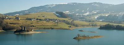 Le lac de Gruyère by Ludovic Péron (Creative Commons 3.0)
