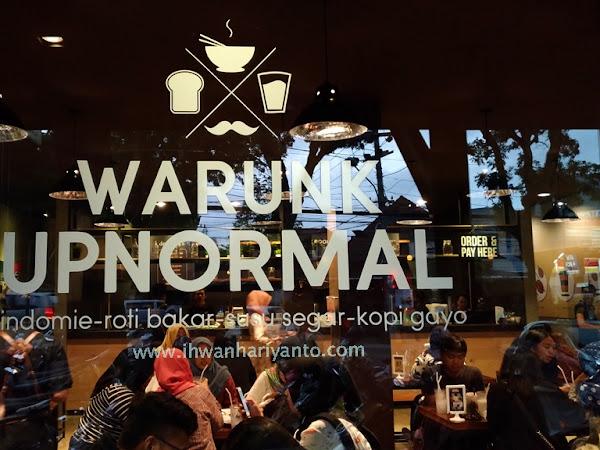 Warunk UpNormal Malang: Tempat Nongki Baru yang Seru di Malang