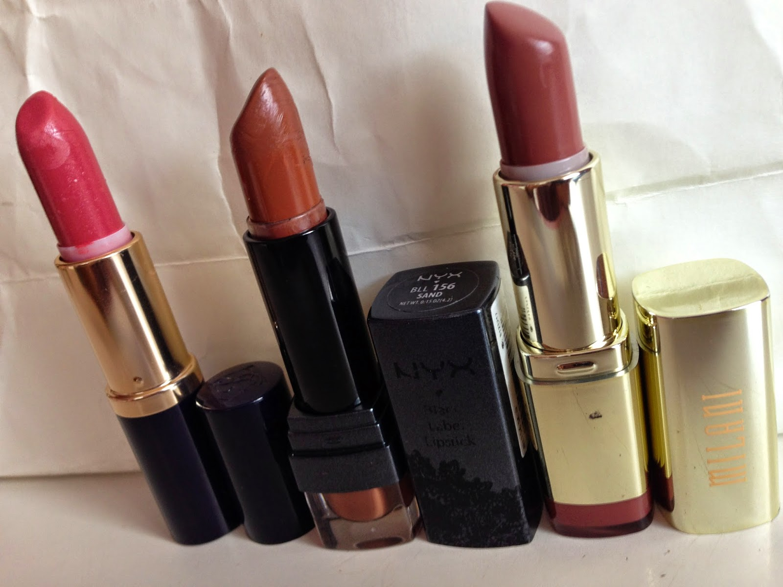 Estee Lauder Pure Color 'Blushing', NYX Black Label 'Sand' and Milani 'Teddy Bare' - www.modenmakeup.com
