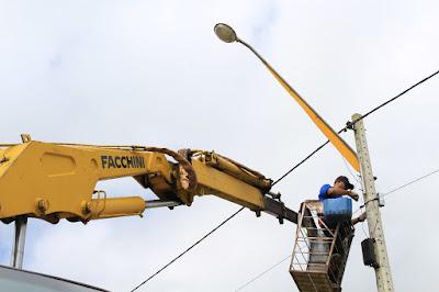 Prefeitura de Sairé realiza manutenção e trocas de lâmpadas