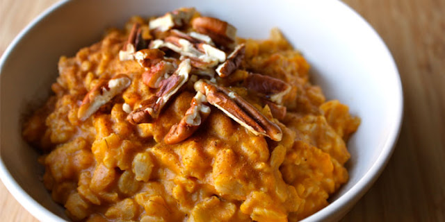 Pumpkin Spice Overnight Oats you can cook in a crockpot. Fall healthy recipes