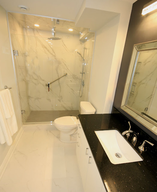 Oakville Condo Master Bathroom