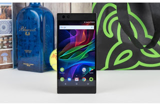 Razer Phone owners can update to Android 8.1 Oreo starting today