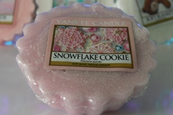 http://www.pasjekaroliny.pl/2013/11/yankee-candle-snowflake-cookie.html
