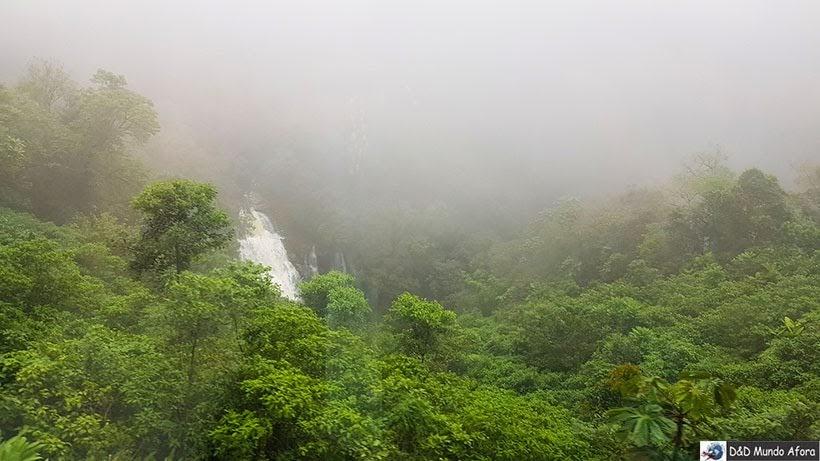 Cachoeira Véu da noiva - Passeio de trem de Curitiba a Morretes