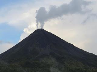 Volcano on Teki-Nura-Ria