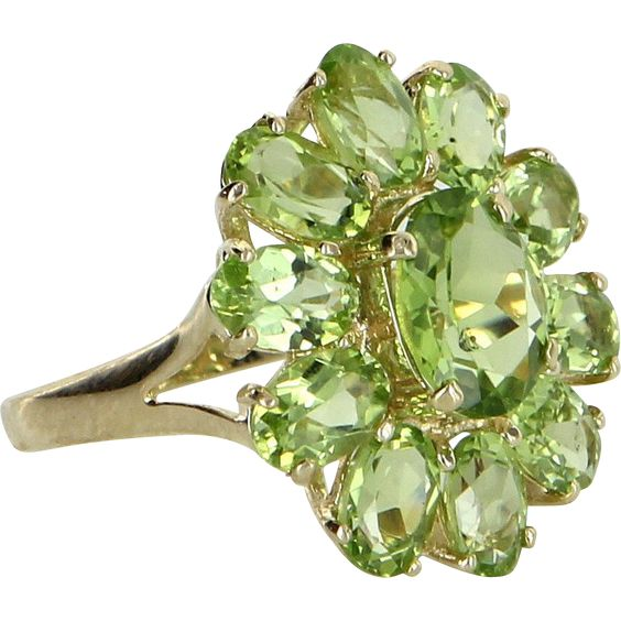 Peridot Oval Cluster Ring Vintage 14 carat Yellow,  Gold Estate Fine Jewelry Pre