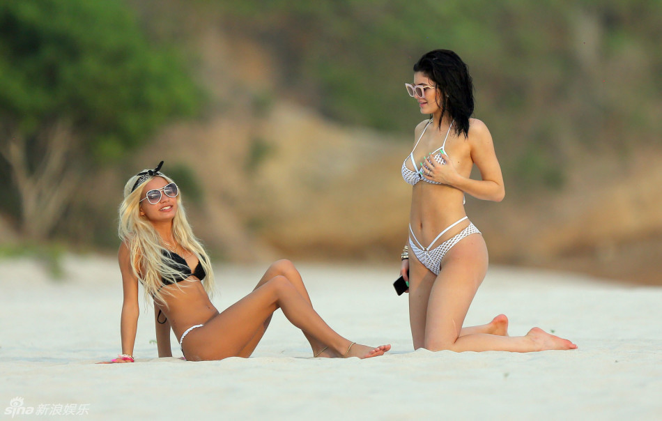 Kardashian sister and companion in the seaside resort