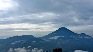 Destinasi wisata Bukit Sikunir Dieng