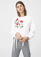http://shop.mango.com/FR/p0/femme/vetements/chemise/blouses/blouse-brodee-fleurs?id=83047599_01&n=1&s=rebajas_she