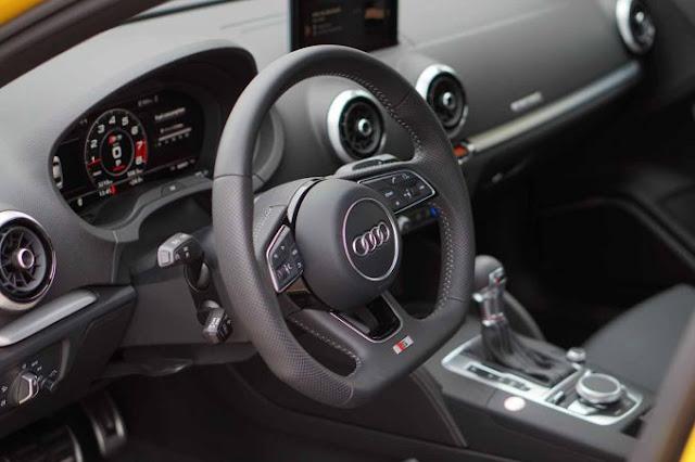 Audi S3 2018 intérieur