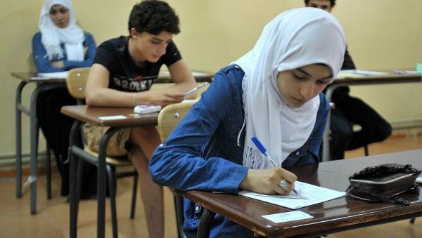 الجزائر تكافح تسريب الأسئلة بحجب الشبكات الاجتماعية
