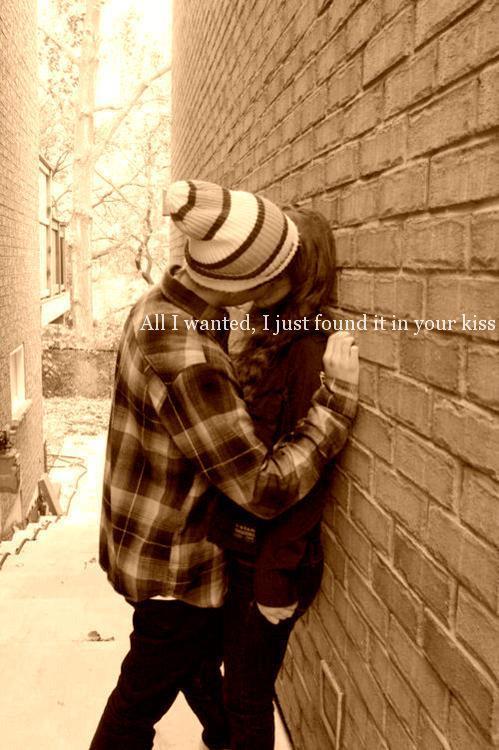 girls-hugging-boys-tumblr
