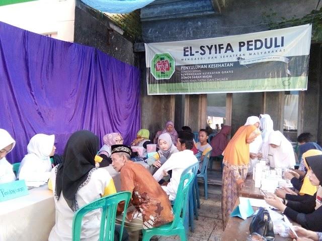 Peduli Masyarakat Miskin, RSU El Syifa Gelar Pengobatan Gratis