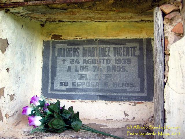 pedro-izquierdo-moya-cementerio-lapida