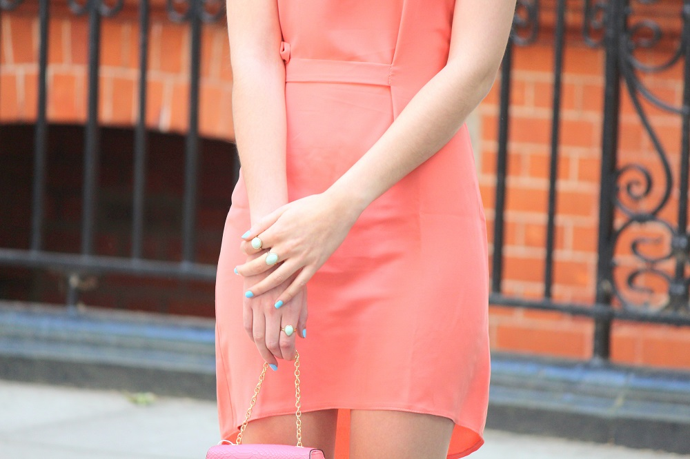 peexo fashion blogger wearing coral dress