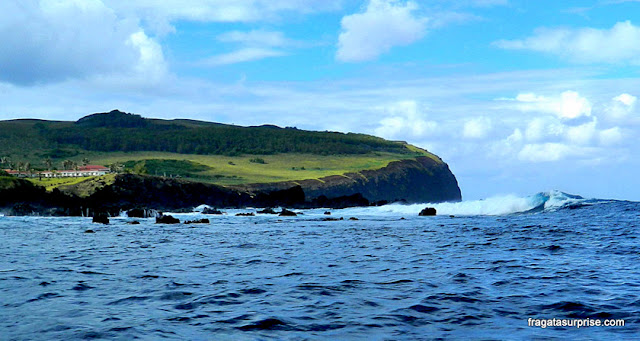Penhasco onde está a Vila de Orongo e o Vulcão Rano Kao, na Ilha de Páscoa