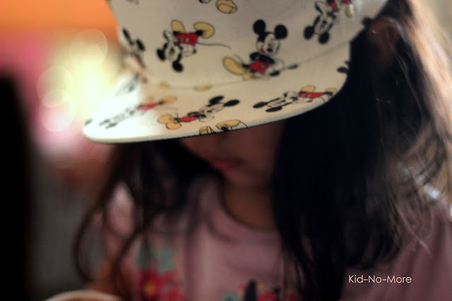 H&M Mickey Mouse Cap for gils and boys. This cap will steal heart.