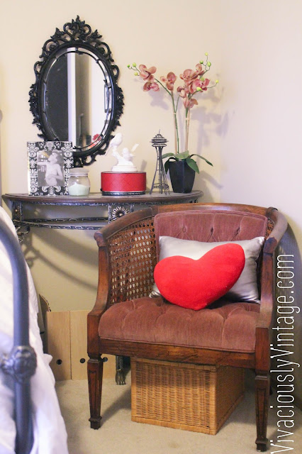 Guest room reading nook. Love the vintage chair!