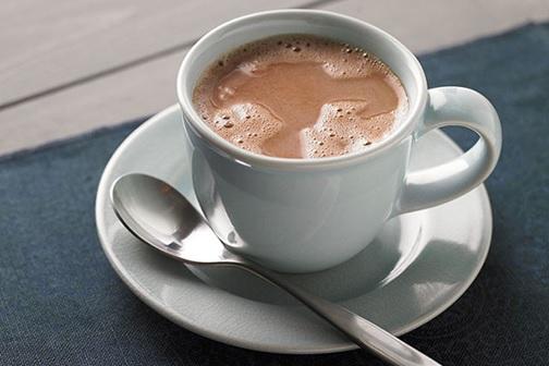 ¿Cuánta cafeína hay en el chocolate caliente?