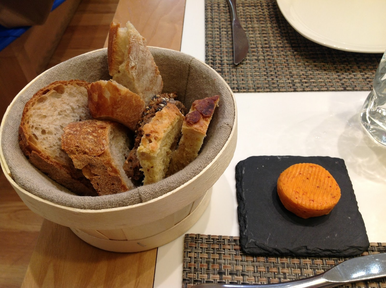 Restaurant A Raclette A Fondu A St Laurent De Mure