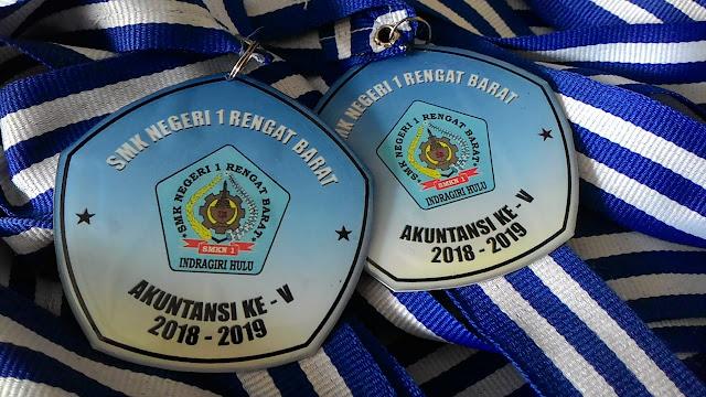 medali murah pekanbaru, buat medali pekanbaru, harga medali wisuda,medali wisuda pekanbaru,medali perpisahan pku,medali perpisahan pekanbaru,buat medali wisuda pekanbaru,pesan medali pekanbaru