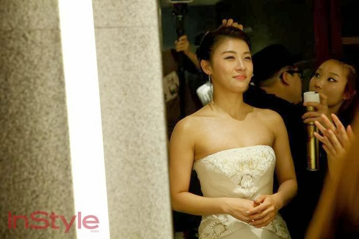 Ha Ji-won sexy in white gown